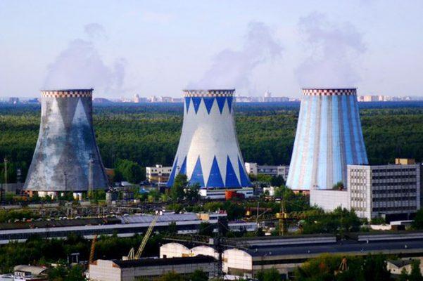 Изображение трех башенных градирен