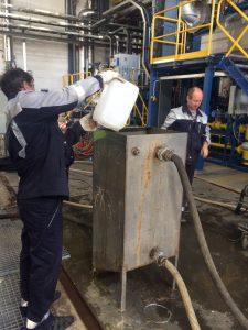 Сотрудники компании АСГАРД-Сервис выполняют комплексную очистку котлов