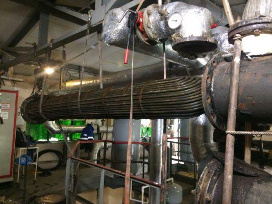 Процесс очистки подогревателя воды специалистами компании АСГАРД-Сервис