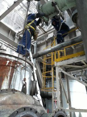 Сложное для проведения работ расположение промываемого оборудования