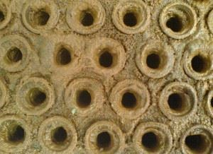 Карбонатные отложения и накипь на стенках теплообменного оборудования