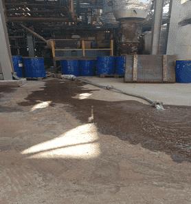 Шланги и внутренняя поверхность емкости была промыта горячей водой для удаления остатков солевых отложений