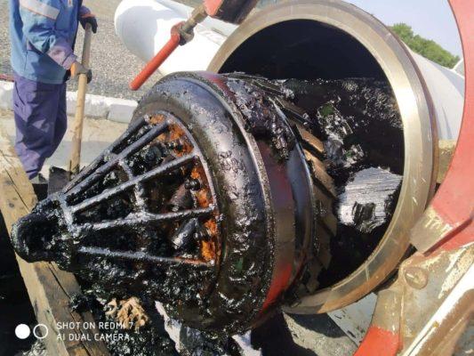 Скребок в ходе очистки магистрального нефтепровода